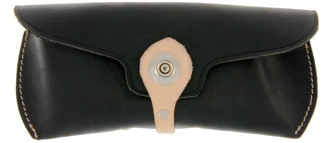Leder-Etui mit Knopf unten C1