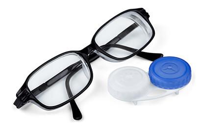 Brille oder Kontaktlinse